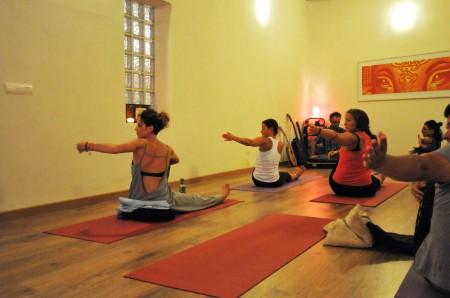 Yoga Pollensa med levende musikk til timen